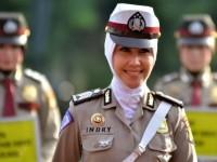 Polwan dan Kontroversi Kebijakan Jilbab