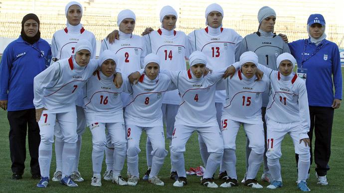 fifa-muslim-veils-football.si