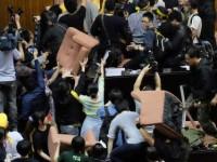 Mahasiswa Taiwan Gelar Demo Tolak Pakta Perdagangan Cina