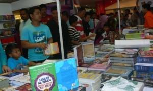 buku-karya-penulis-indonesia-di-kuala-lumpur-international-book-_140429113304-782