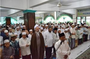 Sholat berjamaah di Ponpes Ash-Shidiqiyah