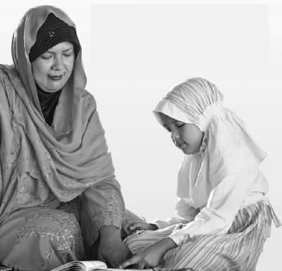 Menjadi Wanita Cerdas Harus Liputan Islam