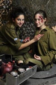 Keterangan : Salah satu propaganda Israel, membuat luka-luk palsu untuk mengelabui publik