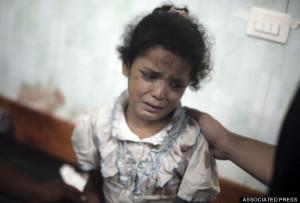 bocah Palestina korban serangan Israel ke gedung sekolah dasar di Jabalya (30/7). Foto: AP