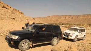 Mobil khusus untuk mengarungi gurun