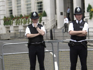 london_police-4e29864-intro