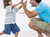 Bagaimana Cara Memuji Anak Agar Terbentuk Harga Diri Positif?