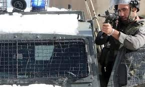 tentara israel menembak