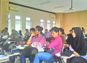 peserta seminar Geopolitik Timteng Uniba