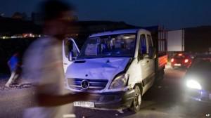 mobil palestina tabrak tentara israel