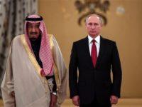 Presiden Rusia, Vladimir Putin, dan Raja Arab Saudi, Salman bin Abdul Aziz, saat melakukan perundingan di Moskow, pada 5 Oktober.