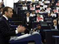 Macron Di-Bully saat Berpidato Soal Suriah di Parlemen Eropa