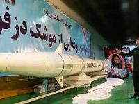 Iran Bantah Bersedia Merundingkan Proyek Rudalnya
