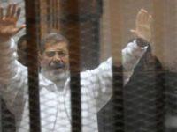 Morsi Dituntut Hukuman Mati atas Tuduhan Spionase untuk Iran, Hizbullah, dan Hamas