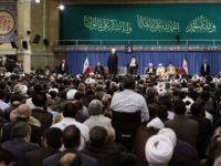 Idul Fitri, Ayatullah Khamenei Tegaskan Kesolidan Iran Melawan Imperialis Dunia