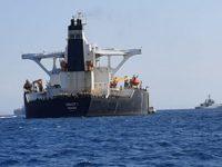 """Iran Peringatkan AS Agar Tidak Mencoba """"Membajak"""" Kapal Tanker Iran"""