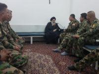 Beredar Foto Langka Ayatullah Sistani Bersama Tentara Irak