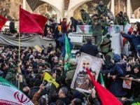 Reuters: Pengiringan Jenazah Soleimani Bangkitkan Memori Pengiringan Imam Khomeini