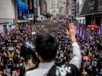 [VIDEO] Polisi Hong Kong Tangkap 400 Orang di Awal Tahun Baru