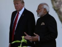 Tiba di India, Trump Langsung Promosi Senjata AS
